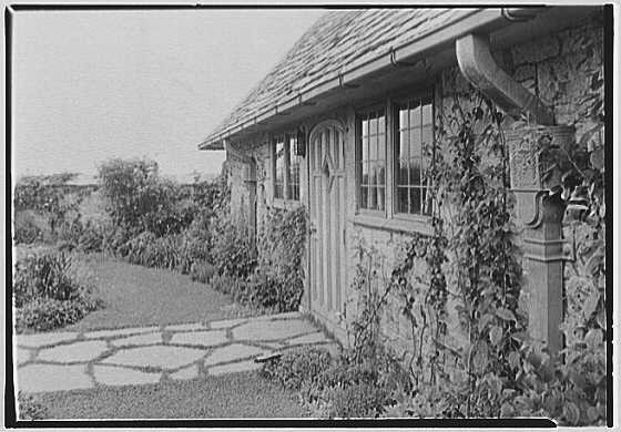 John Russell Pope, residence in Newport, Rhode Island. Close-up studio II