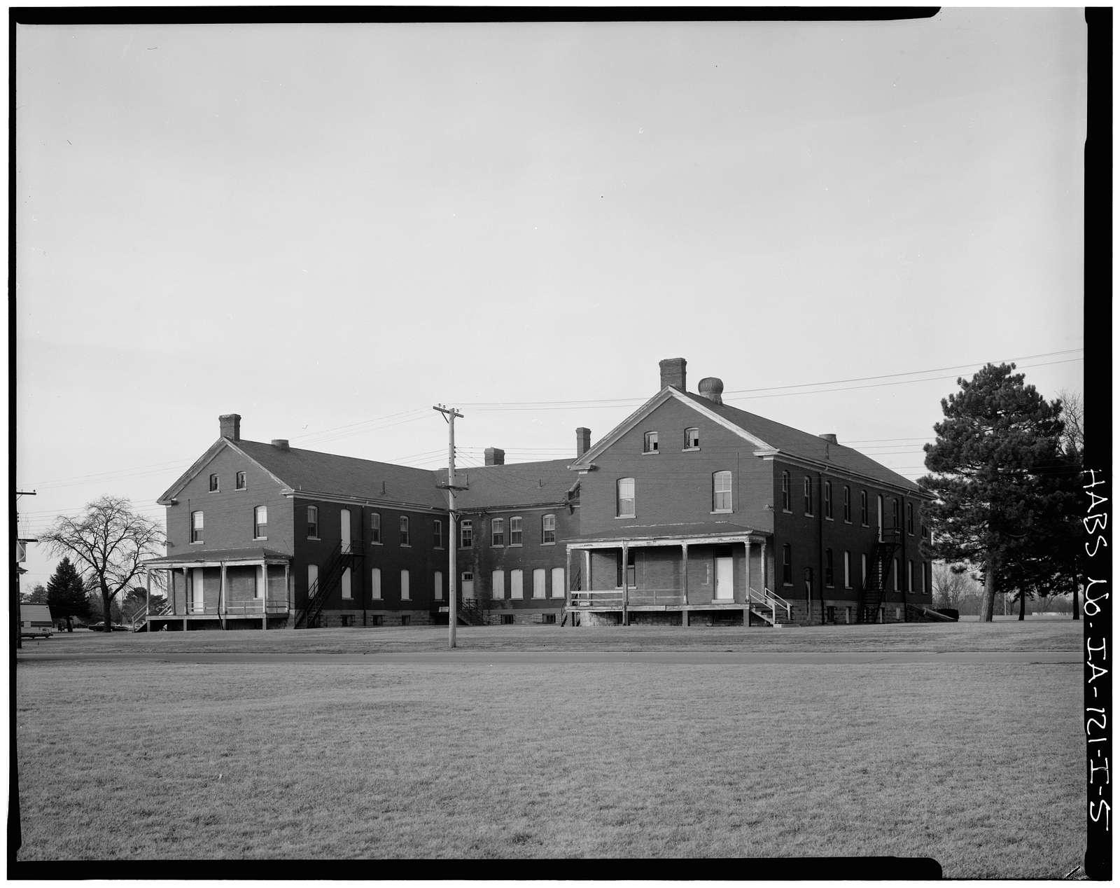 Fort Des Moines Historic Complex, Building Nos. 61-62, Des Moines, Polk County, IA