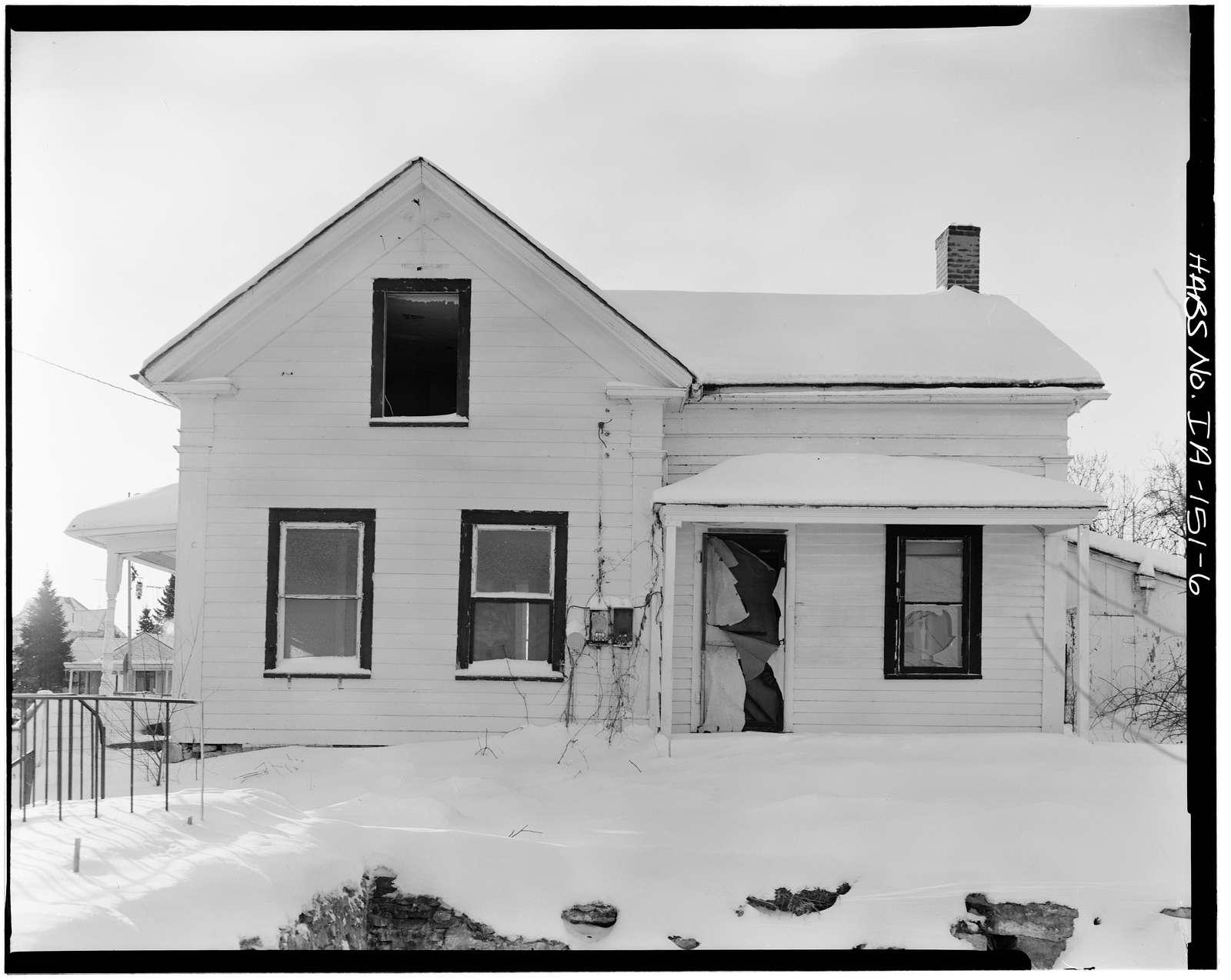 P. J. Almquist House, 16 Second Street Northwest, Waukon, Allamakee County, IA