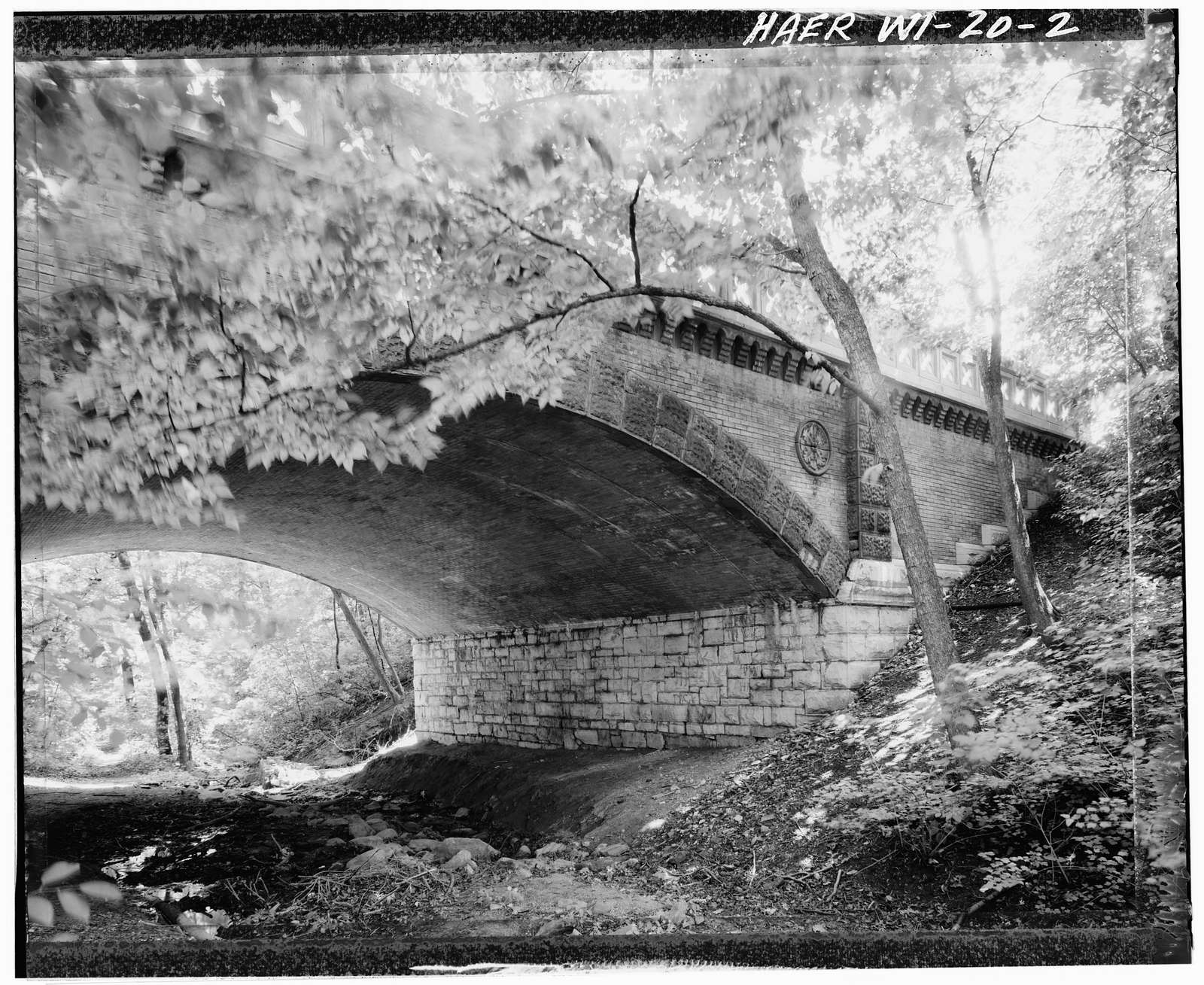 Lake Park Brick Arch Bridge, Lake Park Drive (North entrance to Lake Park), Milwaukee, Milwaukee County, WI