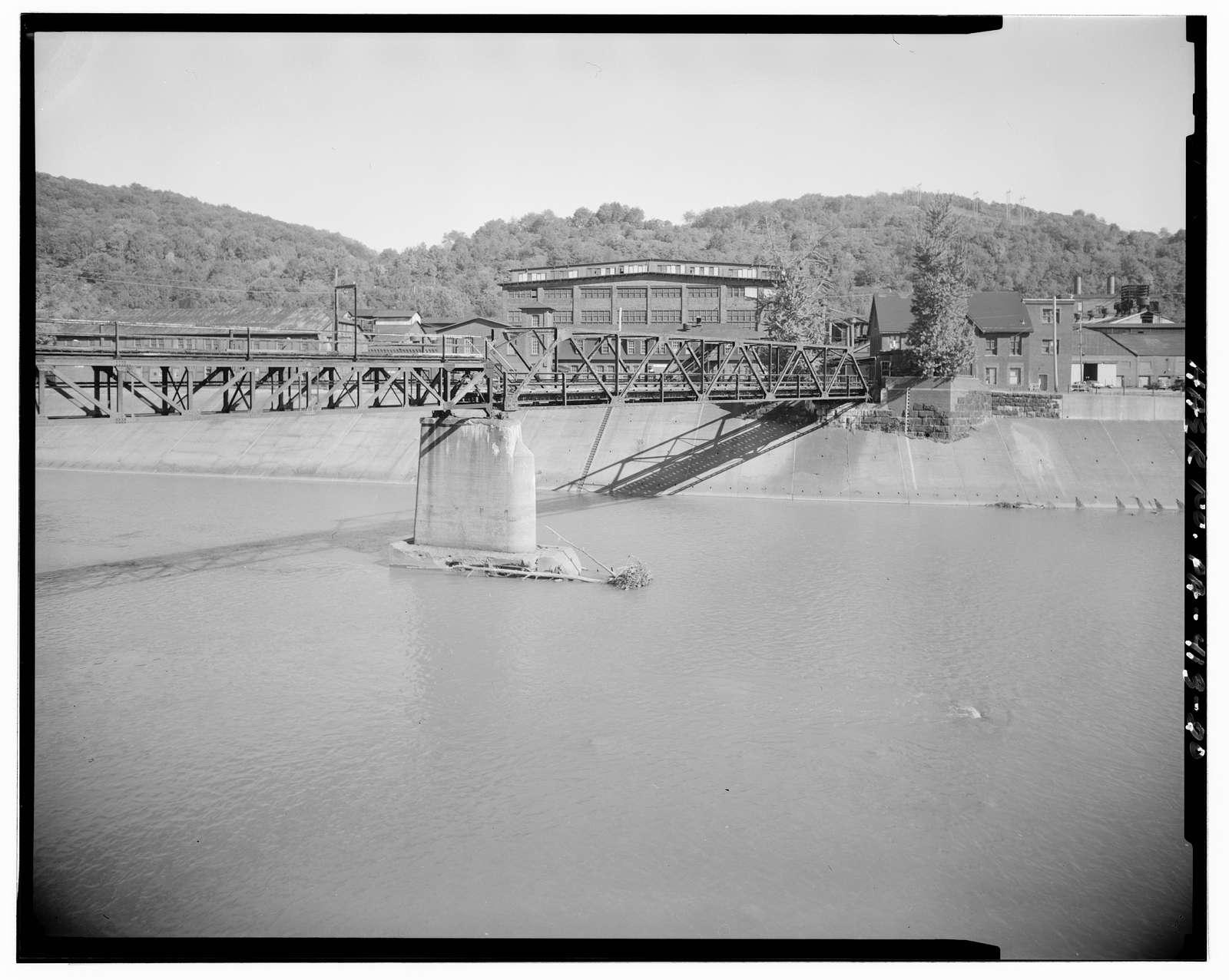 Johnstown Local Flood Protection Project, Beginning on Conemaugh River approx 3.8 miles downstream from confluence of Little Conemaugh & Stony Creek Rivers at Johnstown, Johnstown, Cambria County, PA