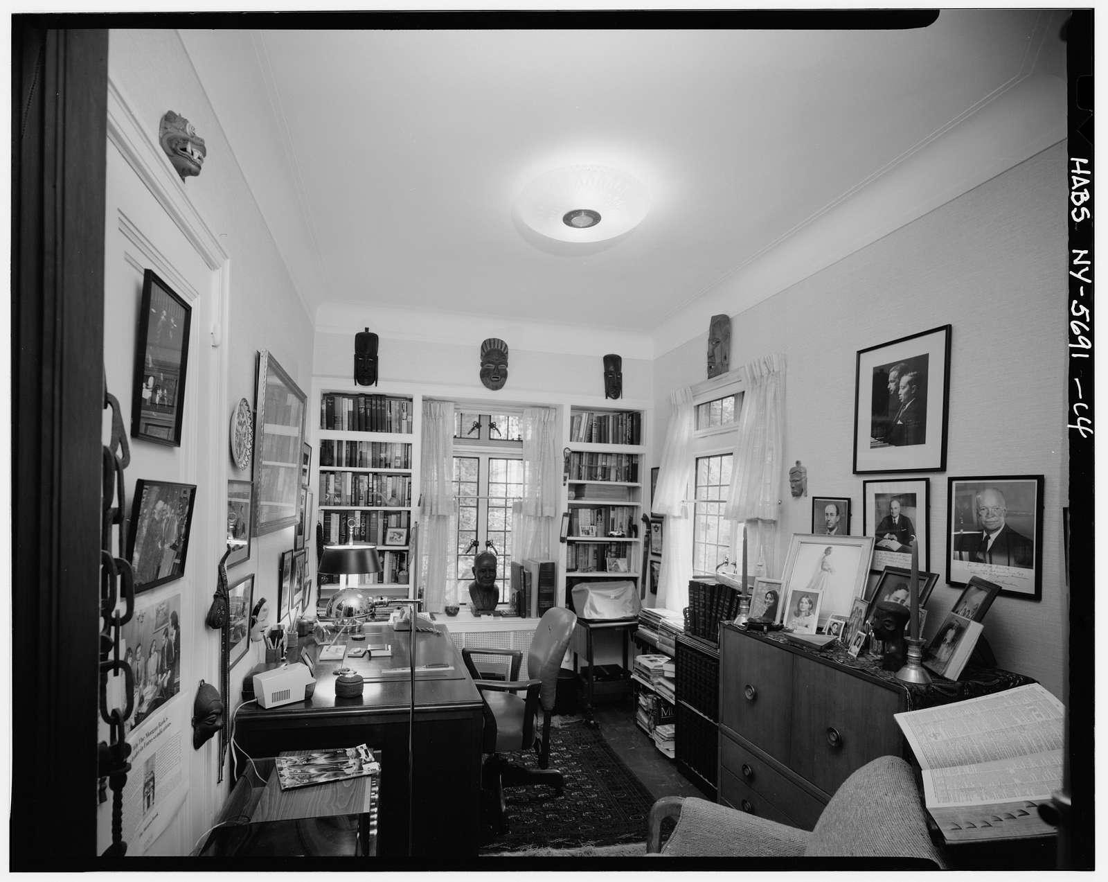Ralph Bunche House, 115-125 Grosvenor Road, Kew Gardens, Queens County, NY